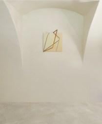 Grazia Varisco, Meridiana, 1974, legno e metallo, 50x50 cm, Villa Pisani Bonetti, Bagnolo di Lonigo, 2018 Courtesy Associazione Culturale Villa Pisani Contemporary Art, Bagnolo di Lonigo Courtesy A arte Invernizzi, Milano Foto Bruno Bani, Milano