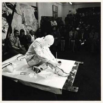 Günter Brus, Wiener Spaziergang, 1965/89, stampa in gelatina di argento su cartone, 60x50 cm ciascuna Foto Fabio Fantini
