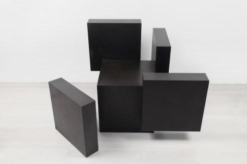 Fausta Squatriti, Cubo spazio analizzabile, 1978, ferro ossidato e patinato a cera, cm 70x80x70 Courtesy Archivio Fausta Squatriti, Milano e Artesilva, Seregno