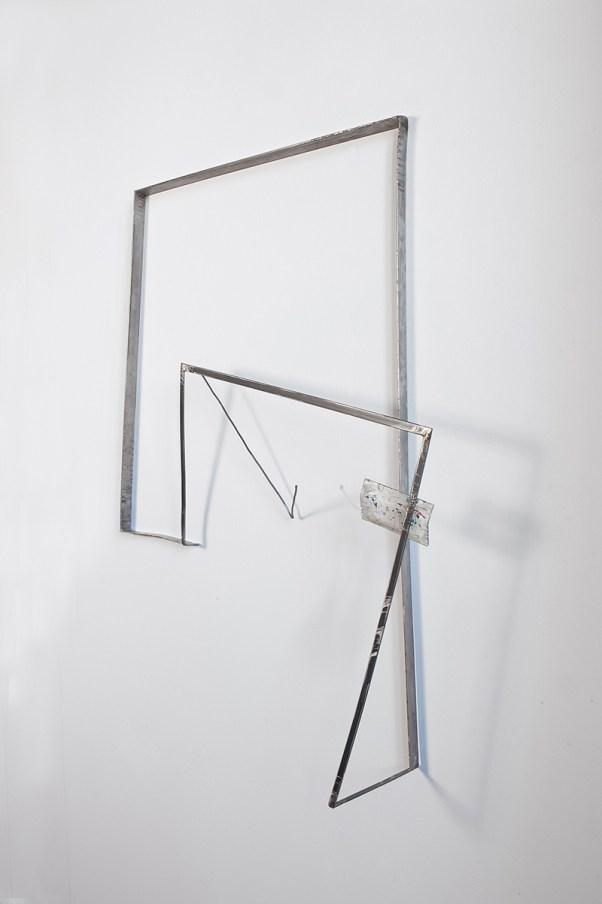 Valdi Spagnulo, Domus dinamica 2, 2008/09, ferro, acciaio inox, plexiglas pigmentato, 110 x 90 x 20 cm ca., collezione Banca Intesa Sanpaolo, foto A. Valentini