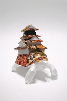 Serena Piccinini, Abitando il tempo, 2012, scultura di carta, cm 11X7.5X10.5