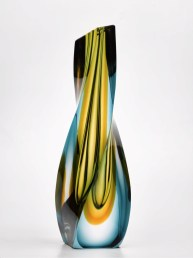 Pavel Hlava, Vaso, 1970 circa, vetro molato, h 30 cm Collezione Fondazione Eleutheria