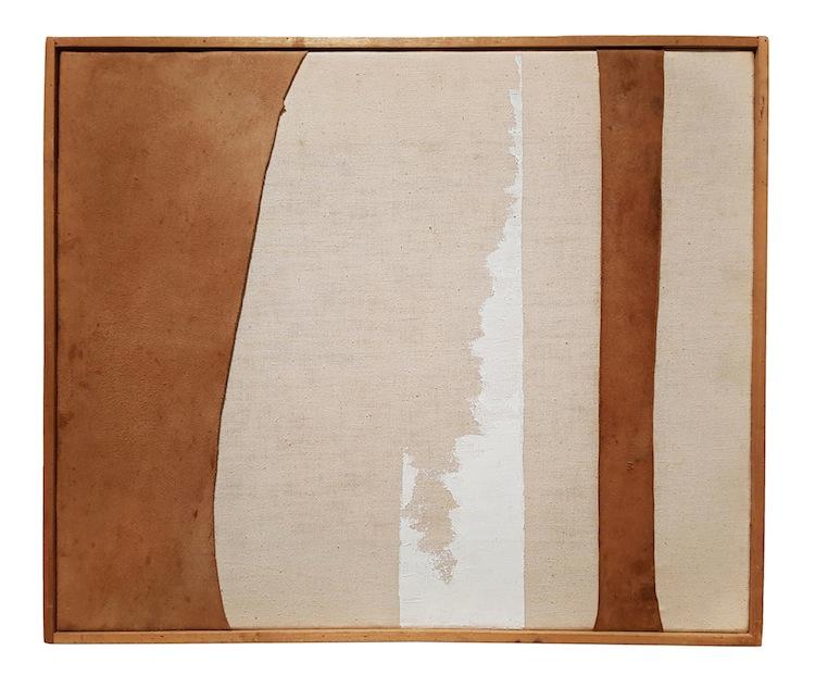 Nuvolo, Senza Titolo, 1961, pelle di daino in tensione e pittura su tela montata su tela, 42x52 cm
