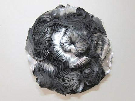 Paola Pezzi, Acciaio, 2018, tessuto metallizzato, cm 115x115x22