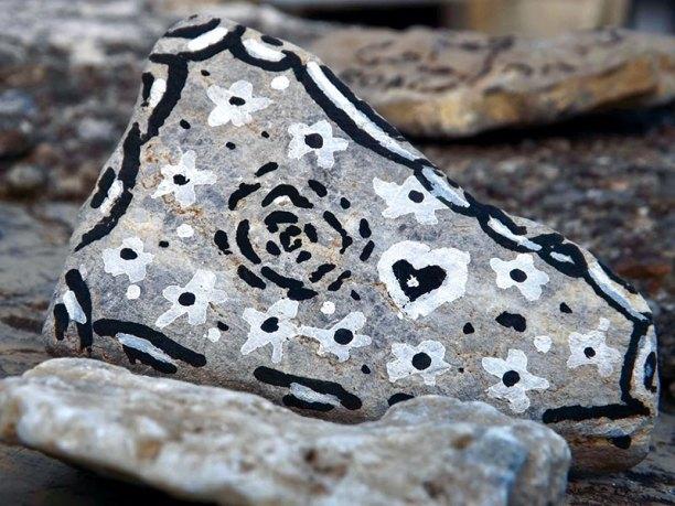 falia* 2018, Alexia Antuofermo, Il chiacchiericcio delle pietre, detail
