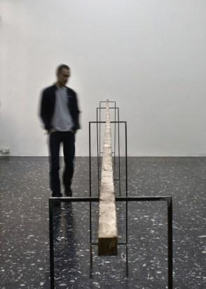 Francesco Arena, Barra da 8 a 9, 2011, bronzo, 3x880x3 cm
