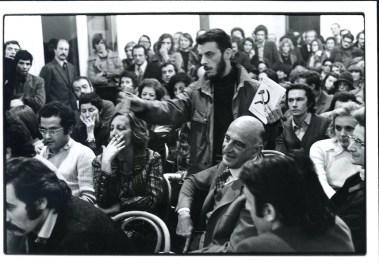 Domande del pubblico, serata dell'inaugurazione, 9 aprile 1973, Galleria Milano Foto di Arno Hammacher Courtesy Galleria Milano, Milano