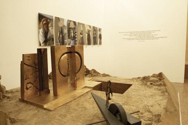 Arnaldo Pomodoro. {sur}face, veduta della mostra, Castello Campori, Soliera (MO), Foto MAMA