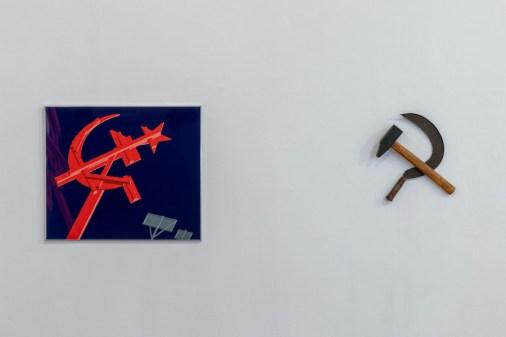 Enzo Mari. Falce e martello. Tre dei modi con cui un artista può contribuire alla lotta di classe, veduta della mostra, Galleria Milano, Milano Foto Roberto Marossi