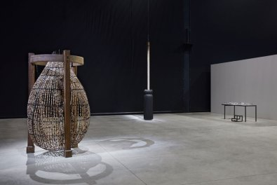Chen Zhen, veduta della mostra, Pirelli HangarBicocca, Milano, 2020 © Chen Zhen by ADAGP, Parigi – Courtesy Pirelli HangarBicocca – Photo Agostino Osio