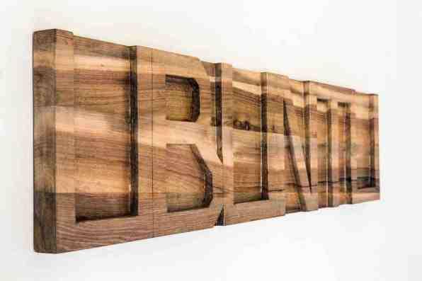 Stefano Boccalini, La ragione nelle mani, Ubuntu, 2020, legno intagliato, 30x130x4 cm