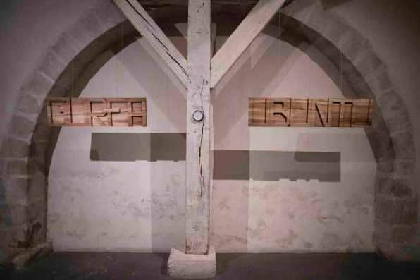 La ragione nelle mani. Una mostra di Stefano Boccalini, veduta della mostra (Gurfa e Ubuntu), Musée Maison Tavel-Musée d'Art et d'Histoire, Ginevra © Christian Tasso