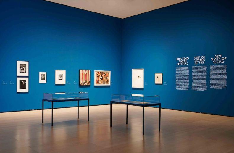 Urte Eroak, 1920ko hamarkada / Los locos años Veinte / I folli anni Venti, veduta della mostra, Museo Guggenheim Bilbao, Bilbao (Spagna)