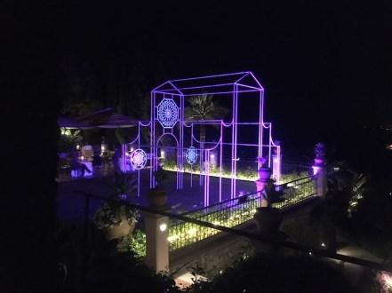Nicola Evangelisti, Tempio della luce, 2021, installazione luminosa site-specific, Belmond Grand Hotel Timeo, Taormina (ME)