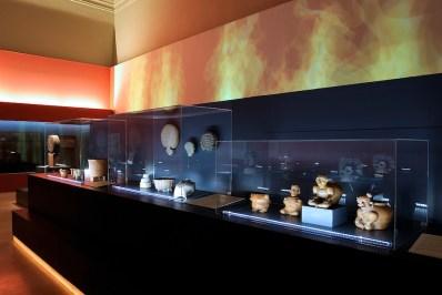 """Lighting project, mostra """"Teotihuacan. La Città degli Dei"""", PalaExpo, Roma (MINIFLUX TRANSPARENT by NEMO Studio)"""