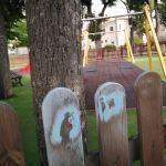 Paganica-San Gregorio. Gravissimo radi di vandali nel palazzo Ducale e nella Villa Comunale