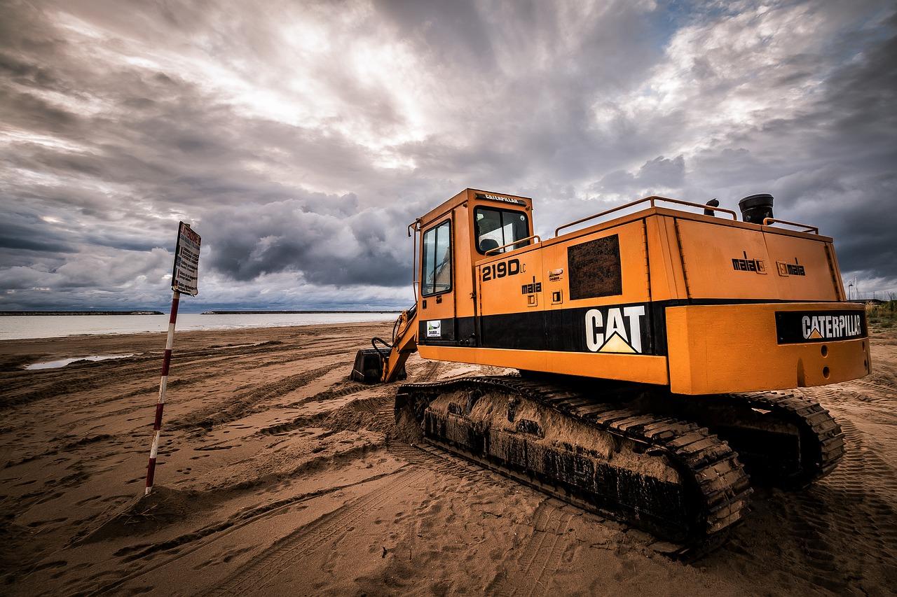 Beach Sand Machinery Sea Shore  - Chikilino / Pixabay
