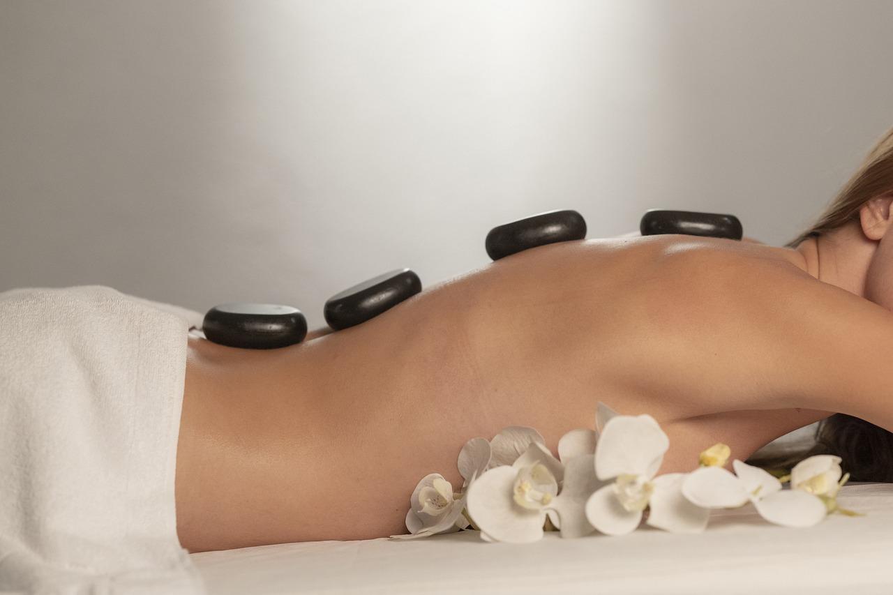 Massage Spa Stones Therapy Body  - Engin_Akyurt / Pixabay