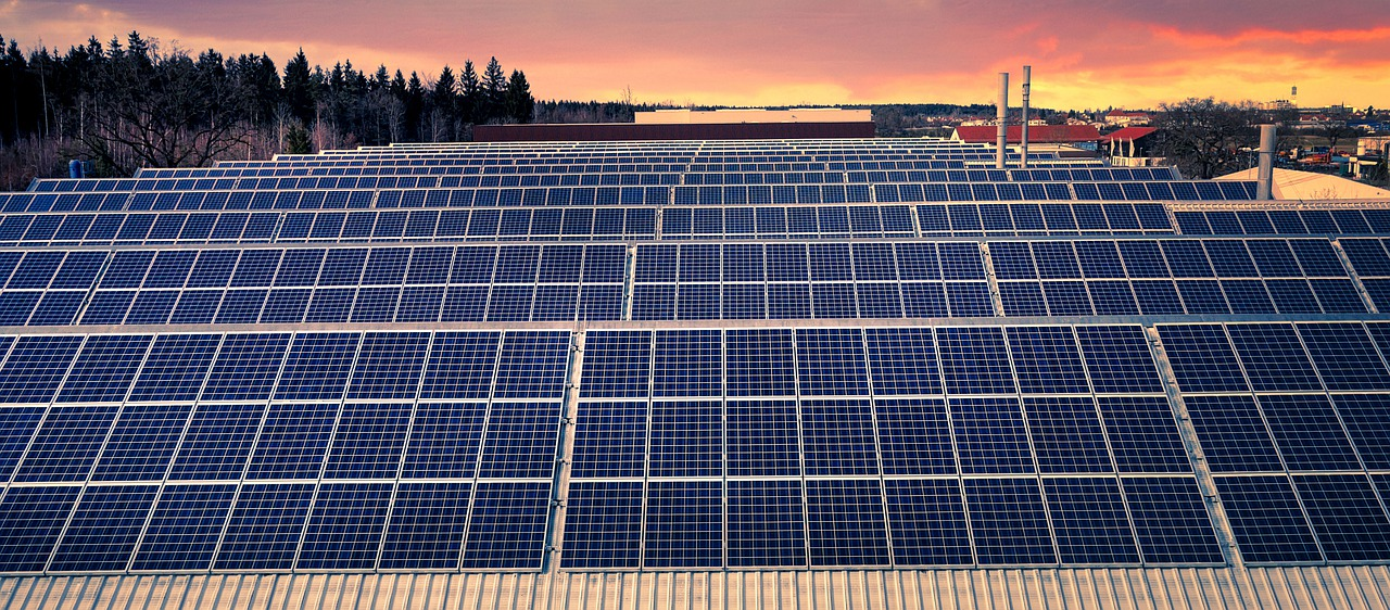 Solar Energy Solar Panels  - fietzfotos / Pixabay