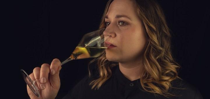 Woman Drink Glass Wine Alcohol  - Shutter_Speed / Pixabay