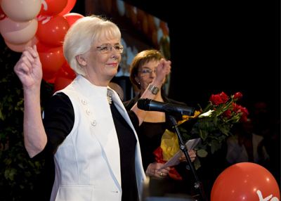 A social-democrata Johanna Sigurdardóttir ficará à frente do governo - Foto: Lusa