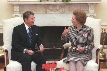 Reagan (com Thatcher) alterou quase sozinho o próprio conceito das relações internacionais, até então baseado na ideia da cooperação internacional. Foto de domínio público