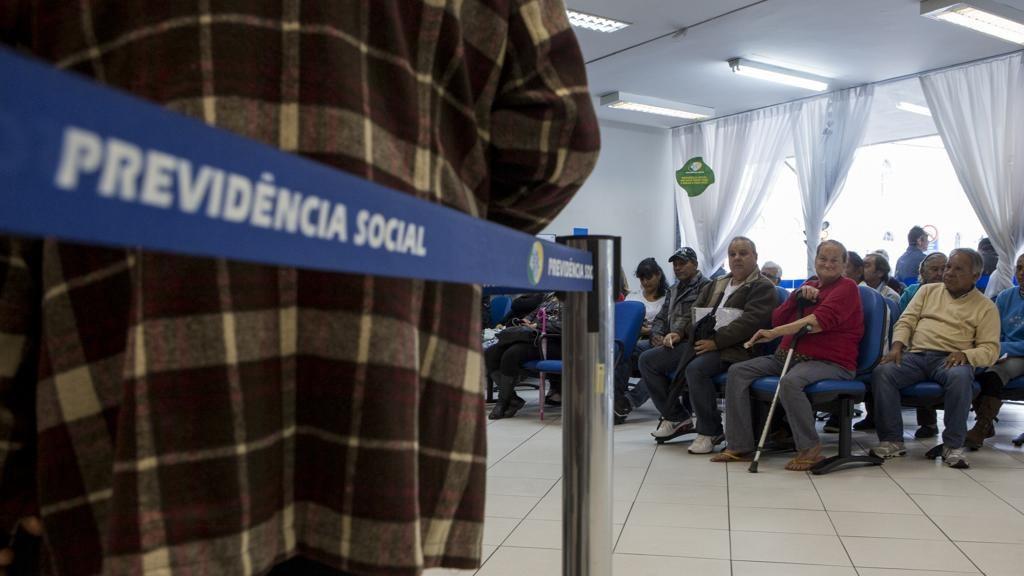 Resultado de imagem para reforma da previdencia social de bolsonaro miseria