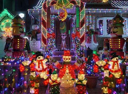 4 Best Christmas Lights Neighborhoods In Los Angeles & Best Christmas Lights Neighborhoods In Los Angeles azcodes.com