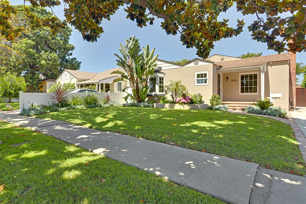 Esquire Real Estate Brokerage, Inc  | 2578 Military Avenue