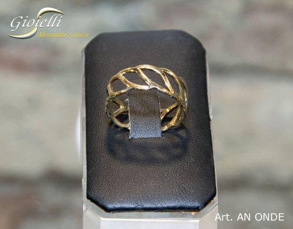 ANONDE - anello in oro giallo realizzato a mano