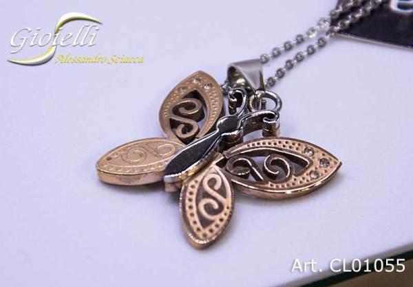 Collana in acciaio con pendente a forma di farfalla traforata finitura bicolore