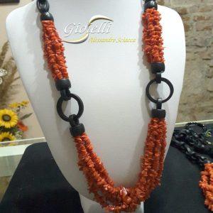 collana corallo e legno d'ebano