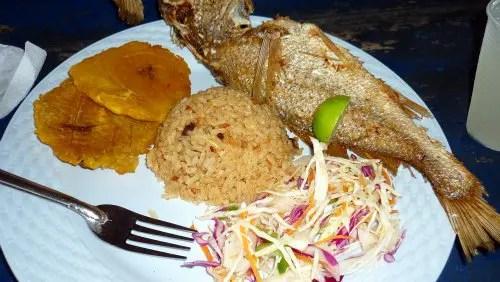 Almoço na Playa Blanca de Baru