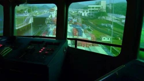 Simulador de travessia do canal no museu