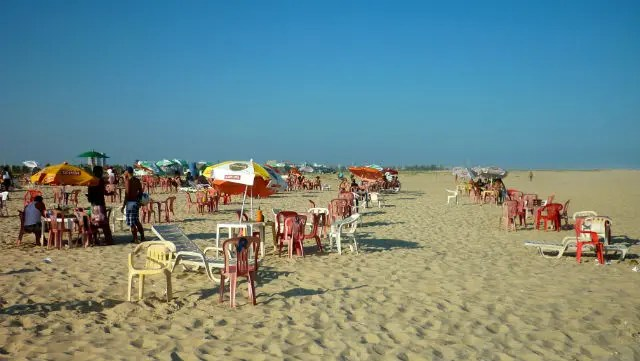 Barracas na Praia de Atalaia - Aracaju (Foto: Esse Mundo É Nosso)
