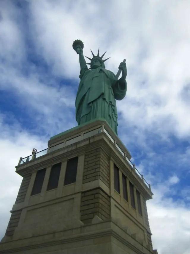 Estátua da Liberdade da Parada Havan (Foto: Esse Mundo É Nosso)