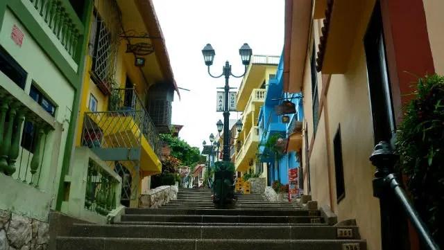 Escalinatas Diego Noboa y Arteta - Cerro Santa Ana - Guayaquil, Equador (Foto: Esse Mundo É Nosso)