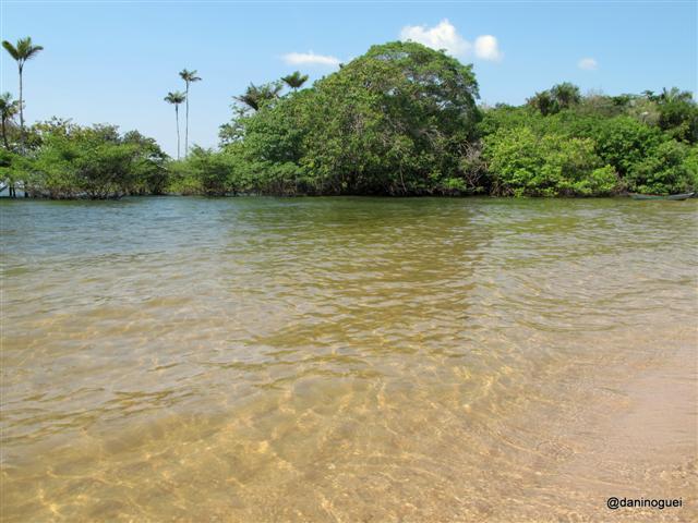 Água do Tapajós na Praia de Tapari - sempre cristalina