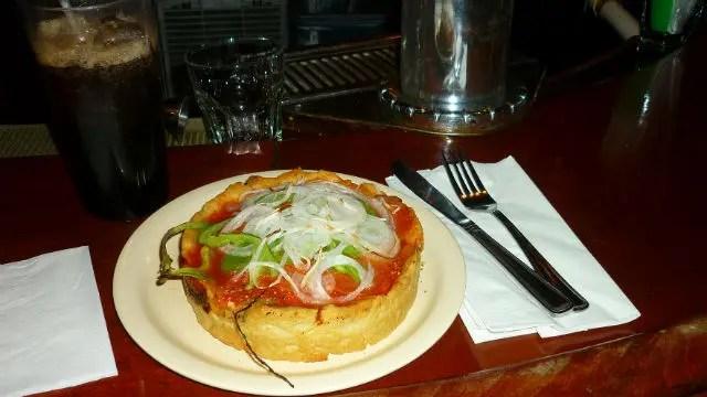 Deep Dish Pizza - Pizzeria Uno (Foto: Esse Mundo é Nosso)