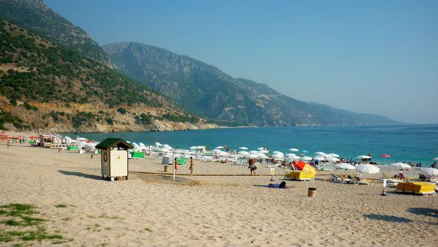 Praia em Ölüdeniz, Turquia (Foto: Esse Mundo É Nosso)
