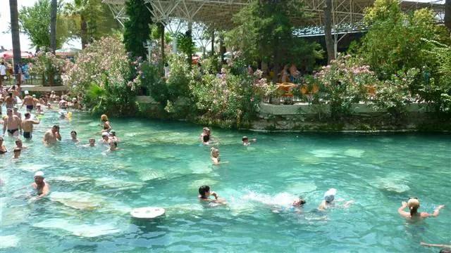 Antique Pool em Pamukkale - Hierápolis, Turquia (Foto: Esse Mundo É Nosso)