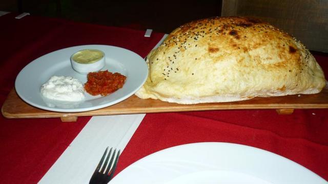 Comida Típica da Turquia - Pão Pita (Foto: Esse Mundo É Nosso)