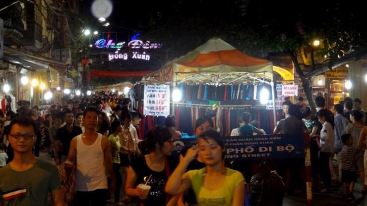 Mercado Noturno em Hanói, Vietnã (Foto: Esse Mundo É Nosso)