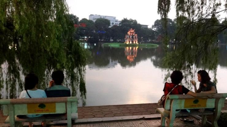 Lago Hoan Kiem - Templo da Tartaruga - Hanoi, Vietnã (Foto: Esse Mundo É Nosso)