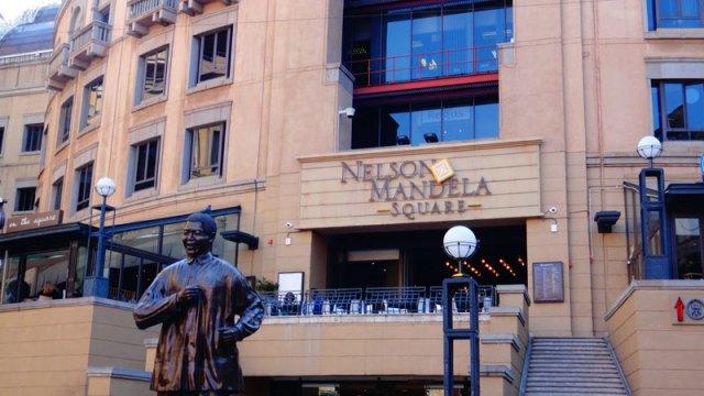 Nelson Mandela Square - Joanesburgo, África do Sul (Foto: Esse Mundo É Nosso)