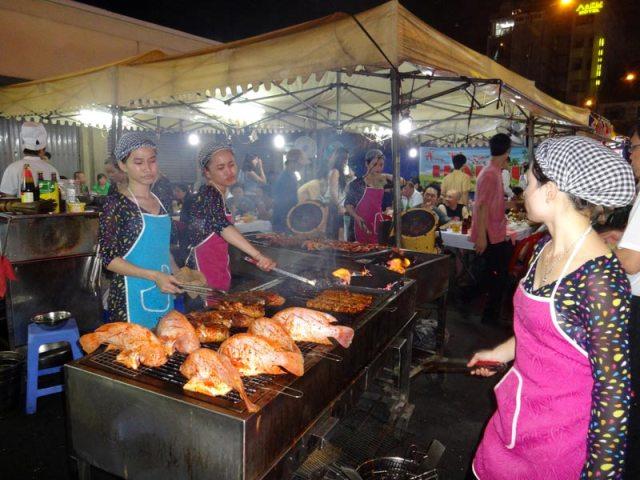 Night Market em Ho Chi Minh, Vietnã (Foto: Esse Mundo É Nosso)
