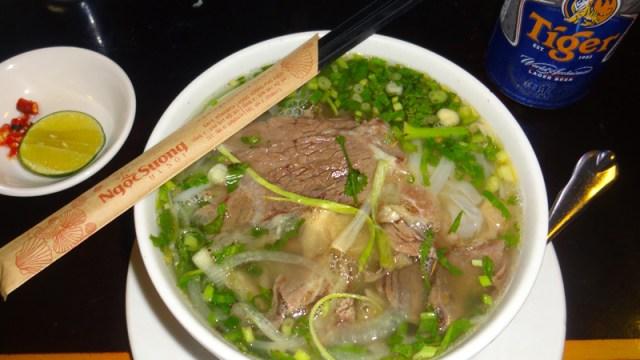 O incrível Phở, comida típica do Vietnã (Foto: Esse Mundo É Nosso)