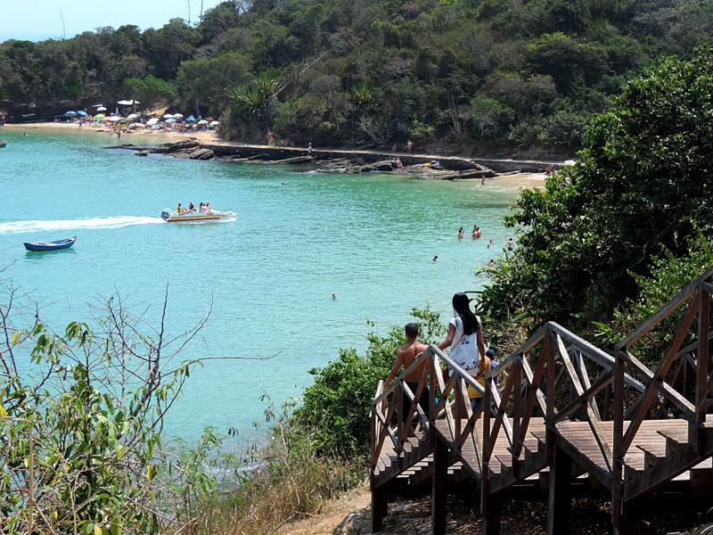 Escada da Praia Azeda e Azedinha