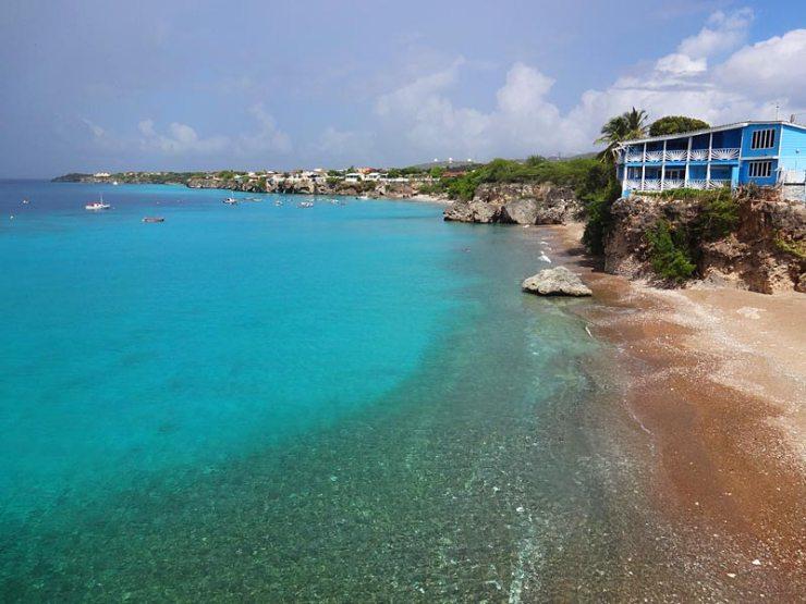 Melhores Praias de Curaçao: Playa Forti (Foto: Esse Mundo É Nosso)