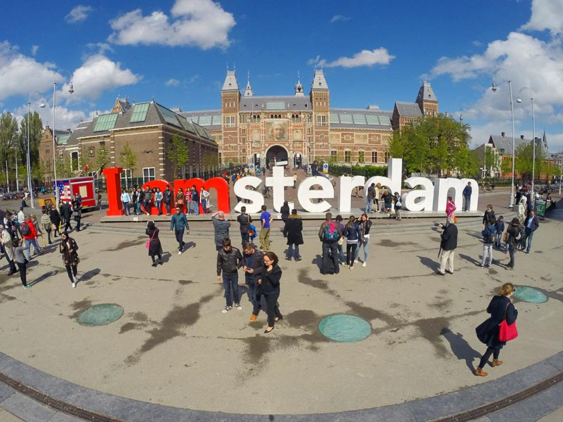 Letreiro de Amsterdam (Foto: Esse Mundo É Nosso)